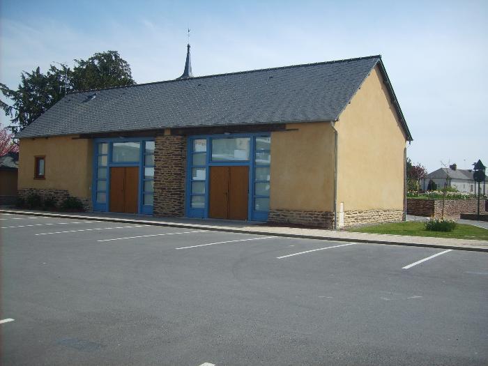 La Grange ( Typique du bâti en terre caractéristique de la commune )